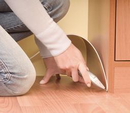 玻璃胶在PVC地板上的应用